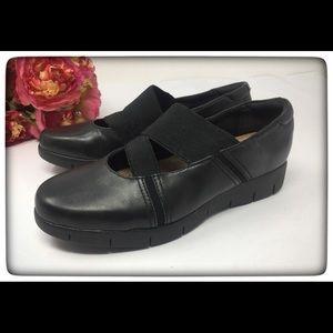 Clarks Artisan Black Leather Slip-On  Loafer 6.5